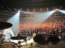 London-crowd-credit-Neil-Peart-1024x768