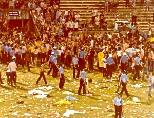 15-Minute Break/'Teenage Riot.' Led Zeppelin, Tampa 6/3/1977