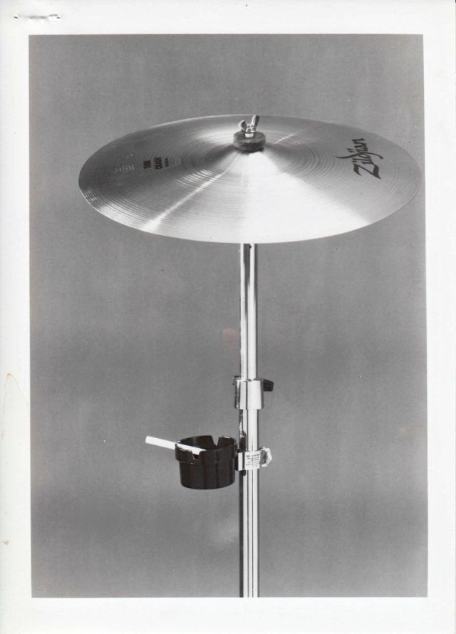 ashtray_cymbal_stand